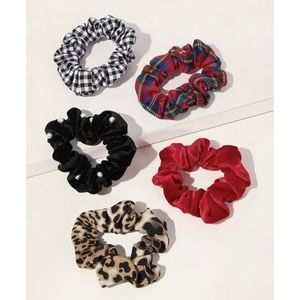 Accessories - 5 pc Edgy & Femme Printed Velvet Scrunchie Set NWT